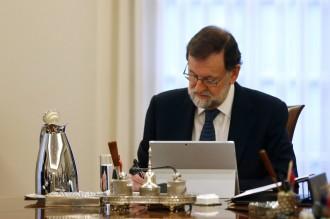 Vés a: Rajoy destituirà Puigdemont i tot el Govern amb l'article 155, segons «El País»