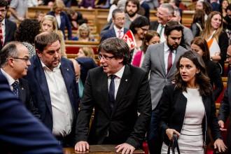 Vés a: Puigdemont avisa Rajoy per carta que el Parlament votarà la independència si no dialoga