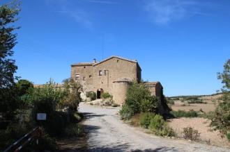 El Puit i l'església romànica de la Mare de Déu del Remei