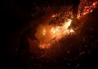 Vés a: VÍDEOS Almenys 42 morts en l'onada d'incendis a Galícia i a Portugal
