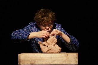 Vés a: Teatre de titelles per combatre la «tensió i polarització emocional» del moment