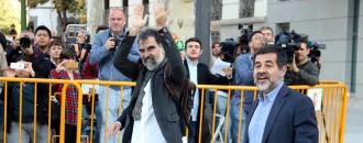Vés a: Puigdemont reacciona a la detenció de Sànchez i Cuixart