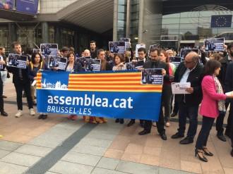 Vés a: Una vintena d'eurodiputats denuncien l'empresonament de Sànchez i Cuixart a Brussel·les