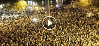 Vés a: VÍDEOS Catalunya s'il·lumina per reclamar la llibertat de Cuixart i Sànchez