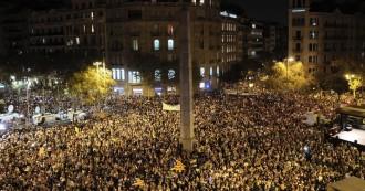 Vés a: Primer suport multitudinari del carrer a la llibertat de Sànchez i Cuixart