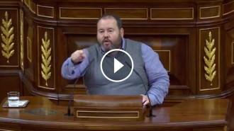 Vés a: VÍDEO Mena dóna una lliçó a  C's sobre l'escola catalana: «Vostès van néixer per dividir»