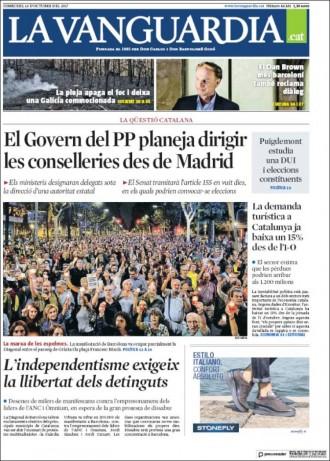 Vés a: PORTADES «El Govern del PP planeja dirigir les conselleries des de Madrid», a la portada de «La Vanguardia»