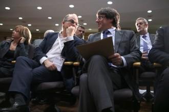 Vés a: Puigdemont dona suport a investir Turull: «Cap maniobra de l'Estat podrà esquerdar la seva dignitat»