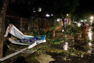 Vés a: Una forta tromba d'aigua i vent provoca greus danys al Camp de Tarragona