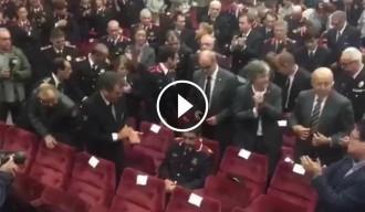 Vés a: VÍDEOS Llarga i emotiva ovació a Trapero a l'Institut de Seguretat Pública
