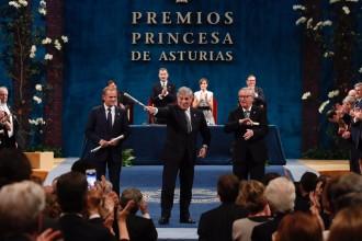 Vés a: VÍDEO «El diàleg és millor que el conflicte»: el discurs del president del Consell Europeu davant de Felip VI i Rajoy