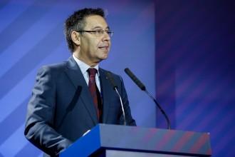 Vés a: «Suport absolut a les institucions catalanes»: la intervenció de Bartomeu després de l'anunci de Rajoy