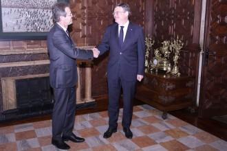 Vés a: Ximo Puig agraeix la confiança de CaixaBank, que reafirma el seu «compromís» amb el País Valencià