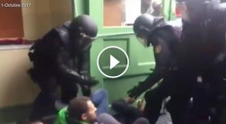 Vés a: Un arxiu de vídeos respon Dastis i recull la brutalitat policial de l'1-O