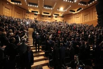 Vés a: VÍDEO Ovació i gest de suport dels empresaris de la Cecot a Puigdemont