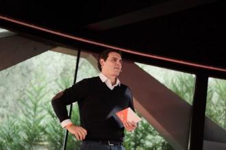 Vés a: Rivera carrega contra Junts per Catalunya i ERC per dur «imputats» a les llistes