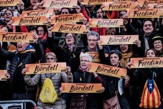 Vés a: VÍDEO «Mai farem ni un pas enrere», el vídeo més èpic per les eleccions del 21-D