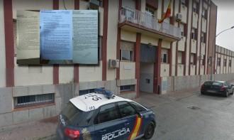 Vés a: L'atraquen a Andalusia i la policia espanyola l'insta a «denunciar-ho als traïdors dels Mossos»