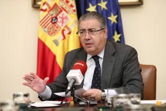 Vés a: Zoido considera «un somni» que Puigdemont alertés de possibles morts al carrer