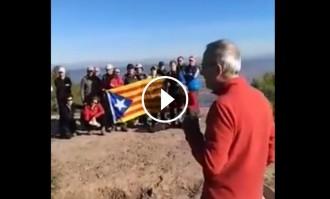 Vés a: VÍDEO Greus insults contra un grup de gent gran amb una estelada al cim d'una muntanya