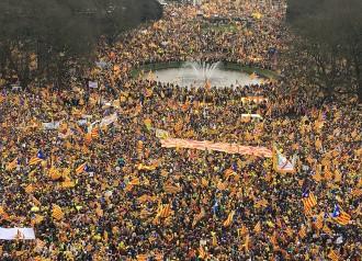 Vés a: Els bombers belgues feliciten l'ANC pel «civisme» dels manifestants catalans