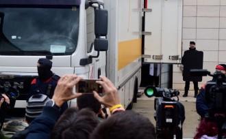Vés a: VÍDEOS Així han marxat del Museu de Lleida els camions amb les obres de Sixena