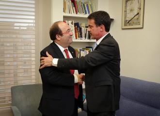 Vés a: A qui dona suport Manuel Valls?