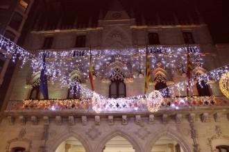 Vés a: La Junta Electoral prohibeix il·luminar de groc l'Ajuntament de Terrassa