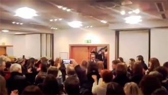 Vés a: VÍDEO L'emotiva rebuda dels treballadors de Territori a Josep Rull
