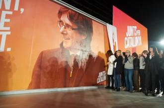 Vés a: JxCat esquiva la pressió d'ERC per nomenar un candidat alternatiu a Puigdemont