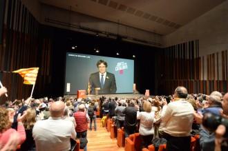 Vés a: JxCat avisa ERC que plantejar alternatives a Puigdemont és acceptar l'autoritat de Rajoy