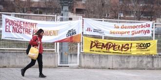 Vés a: ERC recupera el rol de Junqueras i Puigdemont promet tornar: duel obert pel vot sobiranista