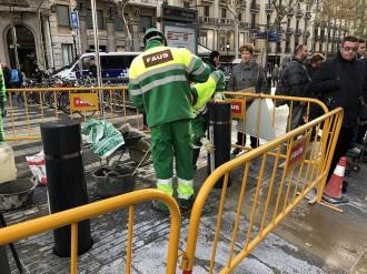 Vés a: Barcelona instal·la pilones a la Rambla per evitar nous atacs terroristes
