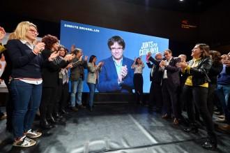 Vés a: Puigdemont confirma que no tornarà a Catalunya abans del 21-D