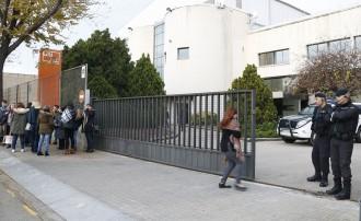 Vés a: Un detingut en l'escorcoll de la Guàrdia Civil a la seu d'Unipost a l'Hospitalet
