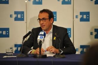 Vés a: JxCat insisteix que un «gran resultat» de Puigdemont dificultarà la seva detenció
