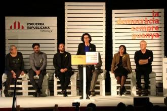 Vés a: Rovira s'envolta d'ex del PSC i acusa Iceta de supeditar Catalunya «als interessos del PSOE»