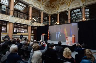 Vés a: Puigdemont avisa el bloc del 155: «L'escola catalana no es toca»