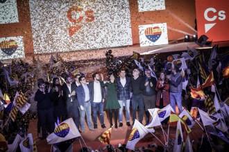 Vés a: «Chirigotas», populisme i el cor de les tres banderes