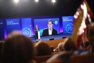 Vés a: Rajoy avisa l'unionisme que votar Cs pot donar diputats a ERC i la CUP