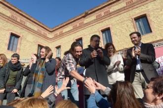 Vés a: Els «comuns» s'encomanen a Iglesias en l'esprint final de la campanya