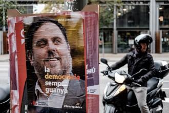 Vés a: Junqueras, Sànchez i Forn reclamen el vot delegat en la constitució del Parlament