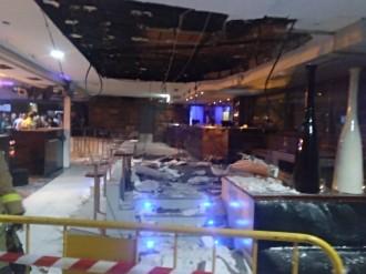 Vés a: S'enfonsa part del fals sostre d'una discoteca a Canovelles
