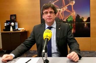 Vés a: Puigdemont insisteix en la investidura a distància: «Les fórmules que estudiem no estan prohibides»