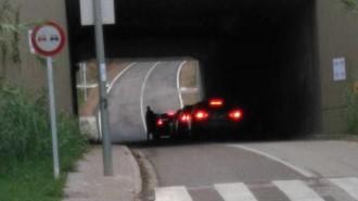 Vés a: «Paranoia de la policia espanyola, porta dies revisant maleters a la frontera»