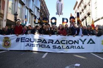Vés a: Policies espanyols i guàrdies civils exigeixen a Barcelona l'equiparació de sou amb els Mossos
