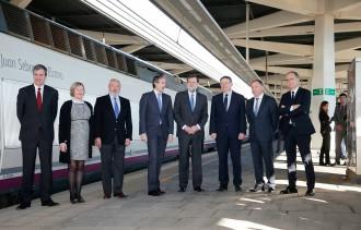 Vés a: L'AVE inaugural entre Castelló i València pateix una avaria amb Rajoy a dins