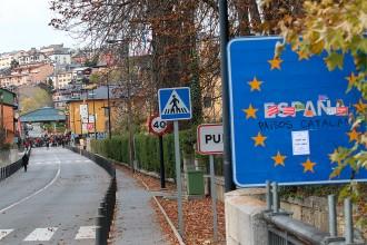 Vés a: El govern espanyol blinda les fronteres per evitar que Puigdemont no entri «ni en el maleter d'un cotxe»