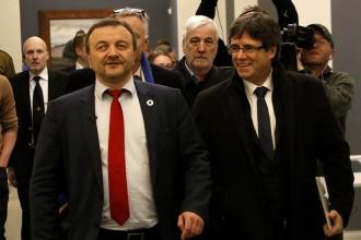 Vés a: Puigdemont treballarà per poder anar al debat d'investidura sense ser arrestat