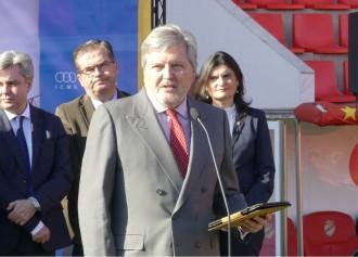 Vés a: Méndez de Vigo insta Torrent a resoldre els problemes «d'acord amb el reglament i la legislació»